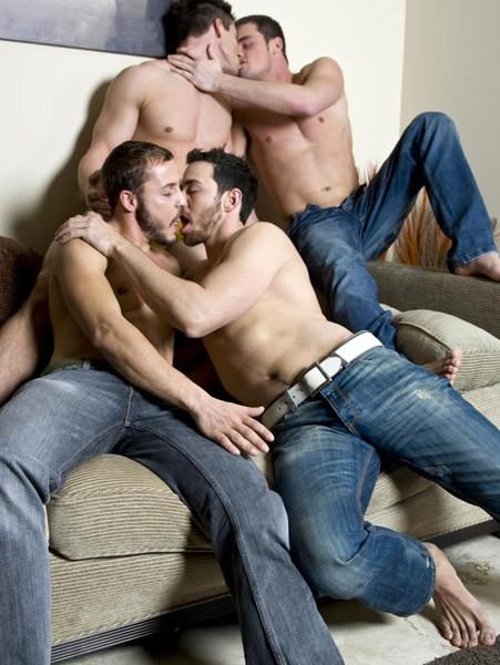 Порно геев в джинсах