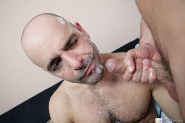 фото как мужик сосёт у мужика