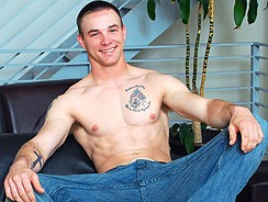 Gay Porn - Sean Summers Busts A Nut from College Dudes