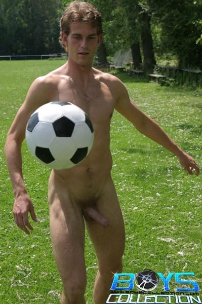 Голые парни футбол
