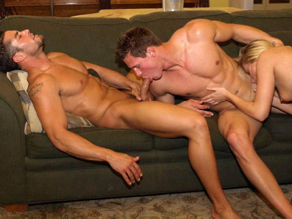 Bisexual threesome porn